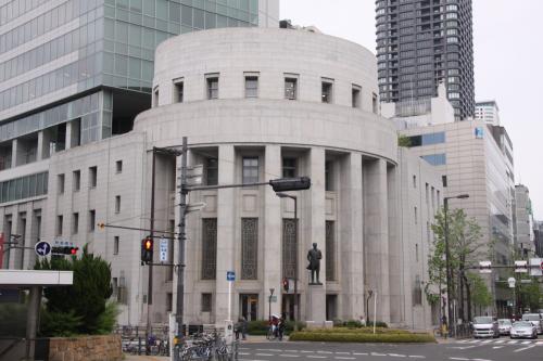 大阪取引所 五代友厚の像
