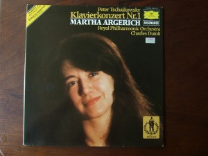 photo credit: Tchaikovsky - Piano Concerto No.1 - Martha Argerich Piano, Royal Phil. Orch., Charles Dutoit, DGG via photopin (license)